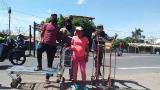 Carretilleros de Paraguachón aseguran que la pandemia los tiene sin trabajo