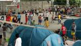 """""""Quiero volver a casa"""", claman quienes huyen de Venezuela por choques armados"""
