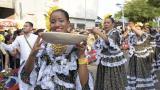 La tradición de las piloneras desfiló por Valledupar