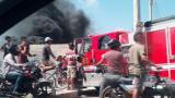 En video | Bomberos atienden quema de llantas en la Circunvalar