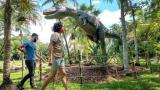 Jardín Botánico de Miami es poblado por figuras de dinosaurios de tamaño real
