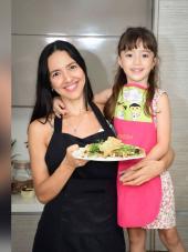 Dos platos saludables para preparar junto con la jefa del hogar