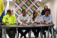 Mayor Raúl Vera, subjefe de la Sijin; Álvaro Hernández Pianeta, director seccional de Fiscalias; Elvia Otero, subdirectora seccional Atlántico; y Clemente Fajardo, secretario de Gobierno Distrital durante la rueda de prensa.