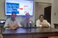 El presidente del Puerto de Barranquilla, René Puche; el gerente seccional de la Andi, Alberto Vives, y el abogado César Lorduy.