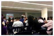 Wilson Castañeda, director de Caribe Afirmativo, en diálogo con participantes del evento.