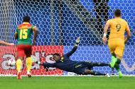 Acción del gol del empate de Australia, anotado por Mark Milligan.
