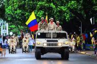 Miembros del Ejército participaron del desfile realizado en Valledupar. Decenas de ciudadanos los observaron.