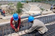 Dos trabajadores del sector de la construcción.