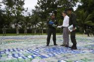 Colombia logró el año pasado la cifra de incautación récord de 378 toneladas de cocaína frente a 253 en 2015.