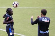 El delantero Yimmi Chará entrenando en Brasil previo al duelo ante Flamengo por Copa Sudamericana.