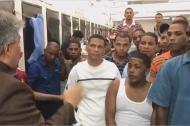 Parte del grupo de los 59 colombianos durante una reunión el pasado martes.