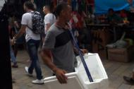 Un vendedor del Centro de Barranquilla.