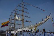 Los 65 grumetes de la Escuela Naval de Suboficiales ARC Barranquilla se despiden antes de zarpar.