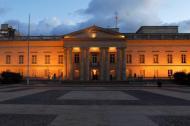 Aspecto de la fachada de la residencia oficial del Presidente de la República, la Casa de Nariño.