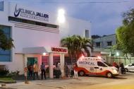 Los uniformados fueron trasladados a la Clínica Jaller, donde recibieron atención médica.
