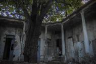 Aspecto interior de la antigua y deteriorada Casa Catinchi.
