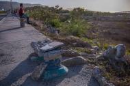 Una de las bancas del malecón de Puerto Colombia que se encuentra destruida.