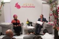 Piedad Córdoba junto a su fórmula vicepresidencial, Jaime Araújo.