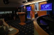 John Sullivan, secretario de Estado interino de EEUU, en rueda de prensa.