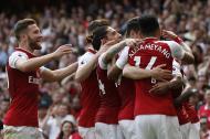 Jugadores del Arsenal celebrando uno de los goles.