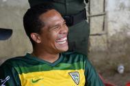 Carlos Bacca siempre lució sonriente ayer viendo jugar a su escuela de fútbol.