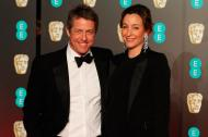 Hugh Grant y su futura esposa Anna Eberstein.