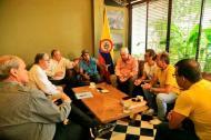 Las directivas de la Sociedad de Mejoras Públicas, el Banco de la República y el Distrito se reunieron en varias oportunidades para estudiar cómo recuperar el Teatro Amira.