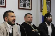 Las Farc se pronuncian sobre nuevas amenazas en contra de líderes sociales. En la foto de izquierda a derecha: Luis Javier Enriquez, Sergio Marín y Arley Estupiñán.