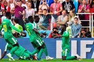 Los jugadores de Senegal celebran el tanto de Mbaye Niang.