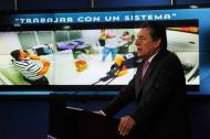 Néstor Humberto Martínez durante la rueda de prensa.