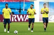 Johan Mujica, Falcao y James en el entrenamiento del sábado previo al partido ante Polonia.