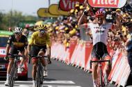 John Degenkolb festejando su victoria en la novena etapa del Tour de Francia.