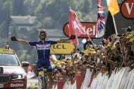 El francés Julian Alaphilippe celebra su triunfo.