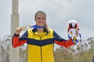 La bicicrosista de Atlántico Gabriela Bolle Carrillo en el primer lugar del podio de los Juegos Centroamericanos y del Caribe.