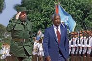 Kofi Annan y Fidel Castro durante la visita que el entonces secretario general de la ONU realizó a La Habana el 11 de abril del 2000.