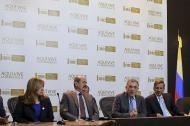 Integrantes del partido de La U durante la rueda de prensa llevada a cabo ayer en Bogotá.