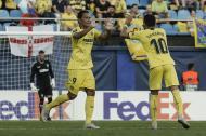 Carlos Bacca celebrando el gol.