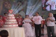 La celebración de los 15 años del catedratón estuvo acompañada de la reina del Carnaval de Barranquilla, Carolina Segebre, varias exsoberanas y de un pudín de cinco pisos.