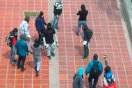 Los encapuchados cuando recorrían los pasillos de la Universidad del Atlántico.