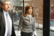 Martha Zamora, directora de la JEP, camino a la audiencia de imputación de cargos.