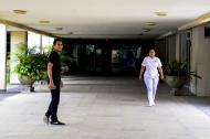 Interior del Hospital Universitario Cari E.S.E de alta complediad, que normalmente está vacío.