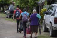 Varios residentes de las costas de Sinaloa abandonan este lunes por la proximidad de Willa.