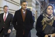 El periodista de CNN Jim Acosta saliendo del tribunal de Washington.