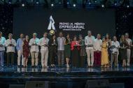 Grupo de galardonados en la novena edición del Premio Mérito Empresarial de la Unisimón.