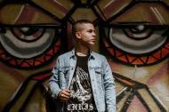 Quintana presenta sus facetas como cantante y productor.