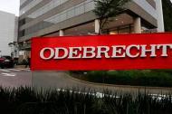 Fachada con el logo de la empresa brasilera Odebrecht vinculada a casos de sobornos en varios países.