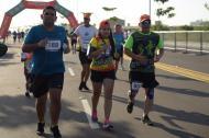 Atletas madrugaron a participar en la carrera.