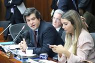Comisión séptima senado: senadores Gabriel Velasco y Álvaro Uribe del Centro Democrático; Nadia Blel, conservadora.