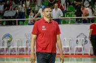 El entrenador de Titanes, Tomás Díaz.