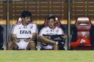 En el entrenador de River Plate Marcelo Gallardo (derecha), deberá buscar las alternativas para el juego ante Boca el sábado.